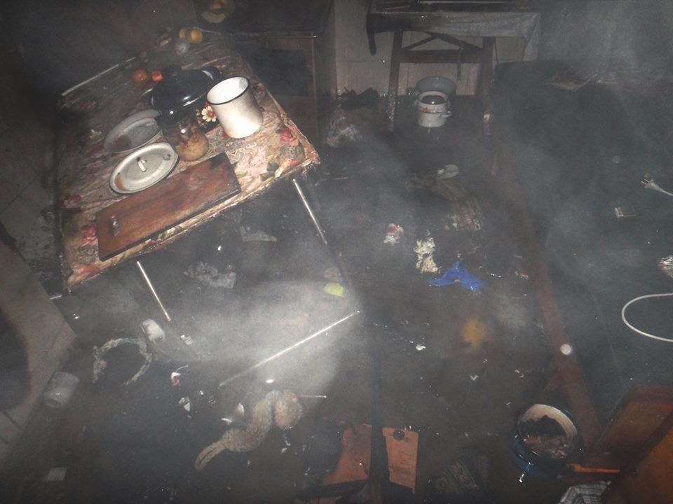 У Червонограді під час пожежі у літній кухні 82-річна жінка отримала опіки обличчя, - ФОТО, фото-2