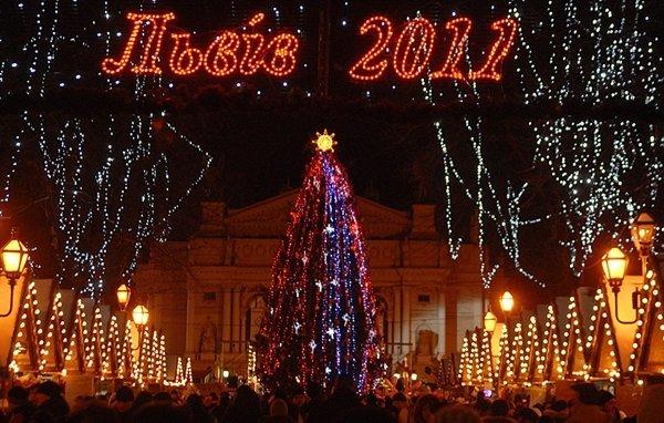 Якою була головна ялинка Львова у різні роки, - ФОТО, фото-17