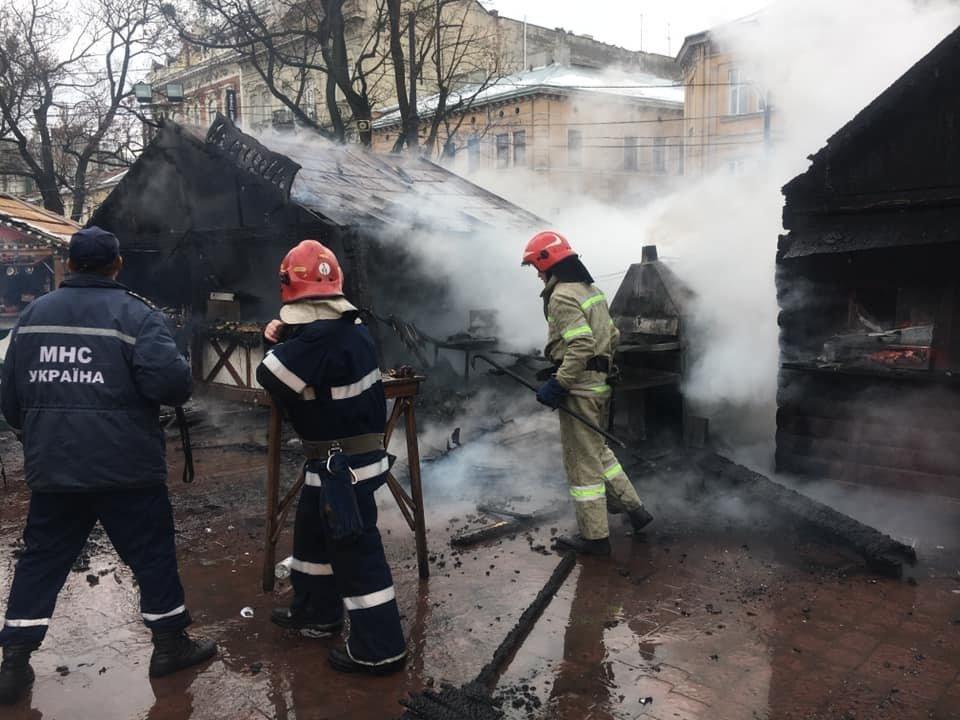 У центрі Львова вибухнув газовий балон: є постраждалі, - ФОТО, фото-5