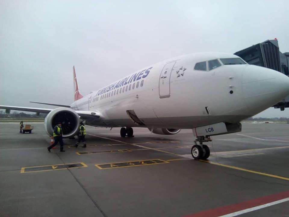 Львівський аеропорт вперше зустрів новий  BOEING 737-8 MAX, фото-2