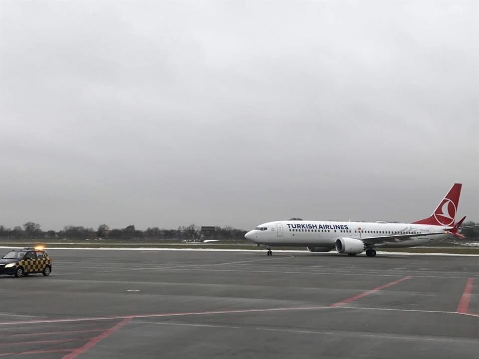 Львівський аеропорт вперше зустрів новий  BOEING 737-8 MAX, фото-6