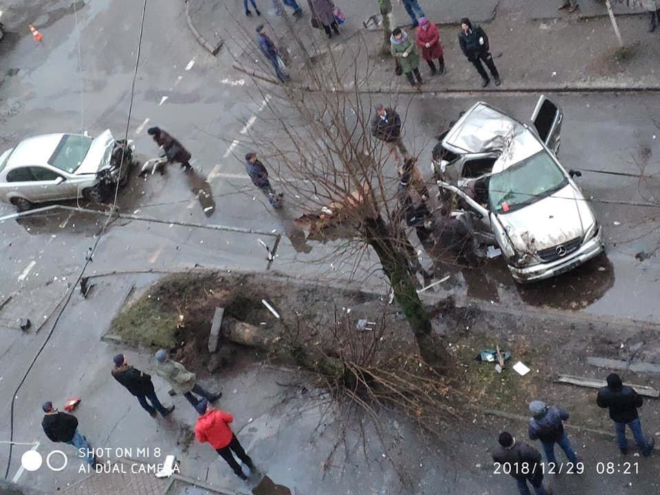 В результаті серйозної автопригоди у Червонограді постраждали двоє людей, - ФОТО, фото-1, Фото Варта-1