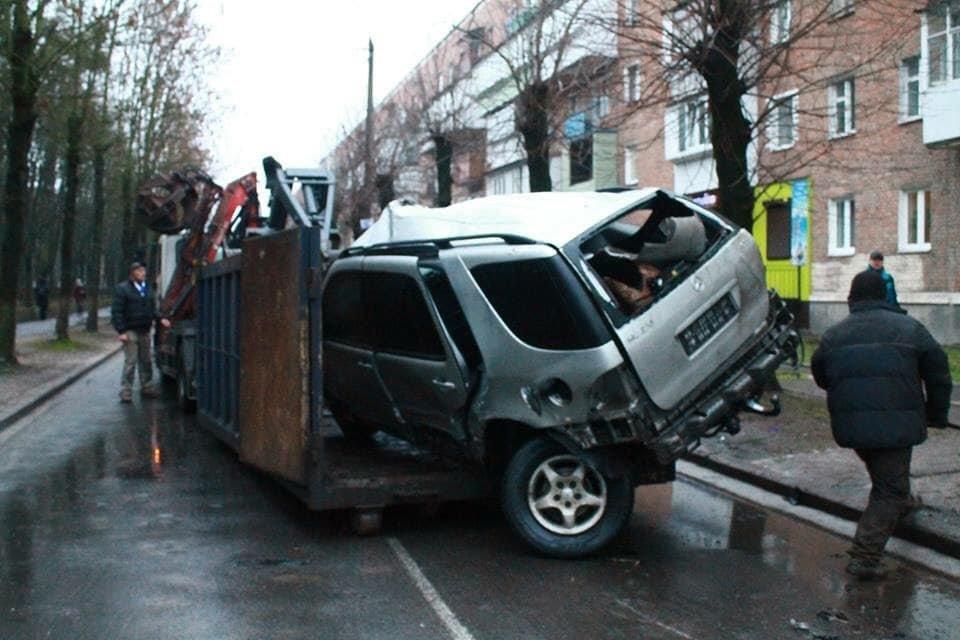 В результаті серйозної автопригоди у Червонограді постраждали двоє людей, - ФОТО, фото-2, Фото Варта-1