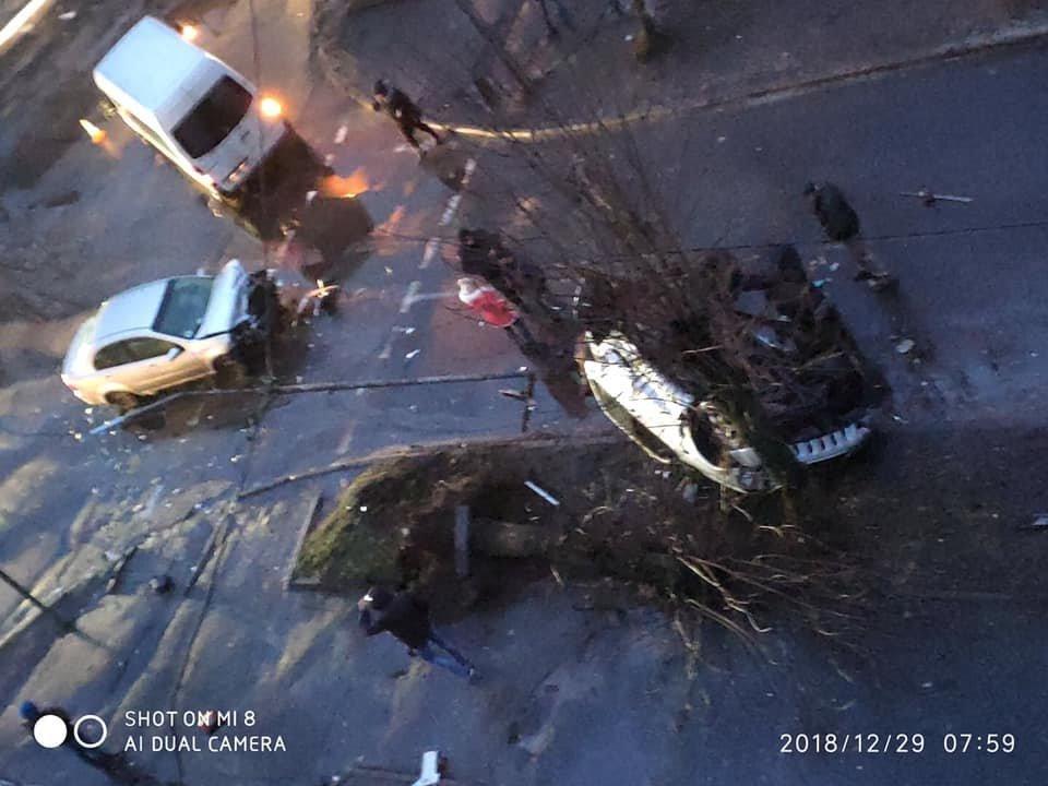 В результаті серйозної автопригоди у Червонограді постраждали двоє людей, - ФОТО, фото-3, Фото Варта-1