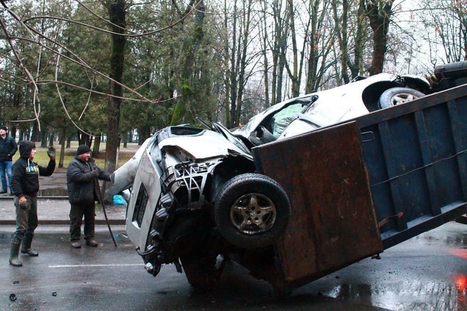 В результаті серйозної автопригоди у Червонограді постраждали двоє людей, - ФОТО, фото-4, Фото Варта-1