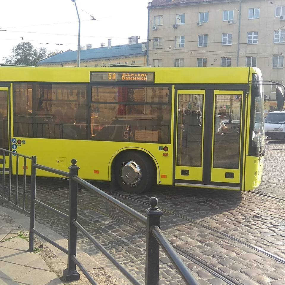 На яких маршрутах у Львові курсують великі автобуси , фото-6