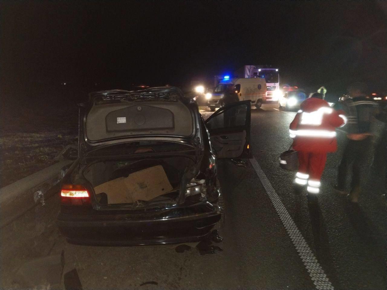 На трасі «Київ - Чоп» зіткнулись BMW та фура: є загиблий, фото-2, Фото: hromadske.ua