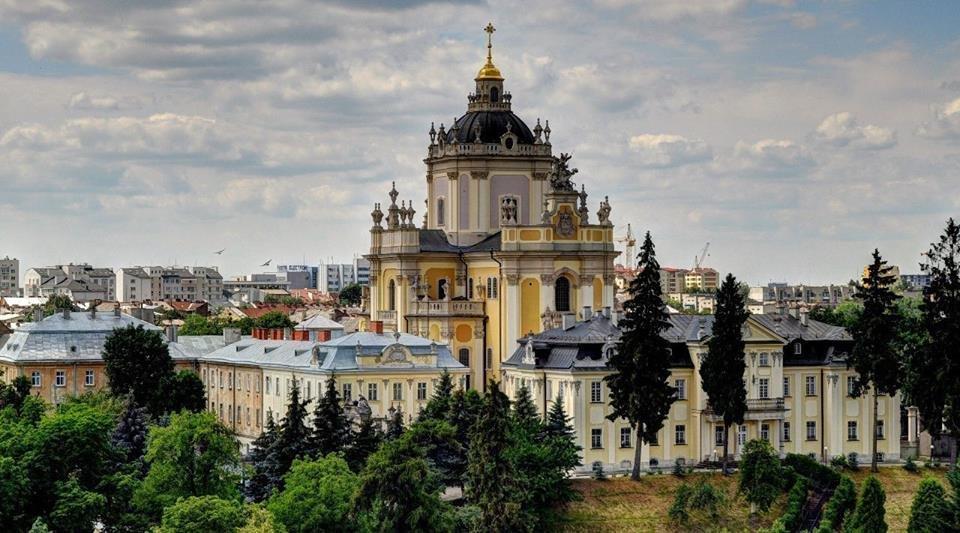 Львів відзначатиме Великдень: розклад богослужінь у храмах міста, фото-1