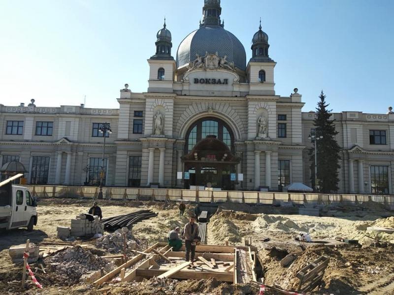У Львові ремонтують площу Двірцеву, - АКТУАЛЬНІ ФОТО, фото-1, Фото: ЛМР