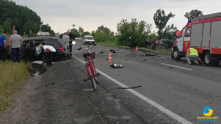 На Львівщині внаслідок зіткнення з вантажівкою загинув водій Volkswagen Golf, - ФОТО, фото-1, Фото: zolochiv.net та Ігор Зінкевич/Facebook.com