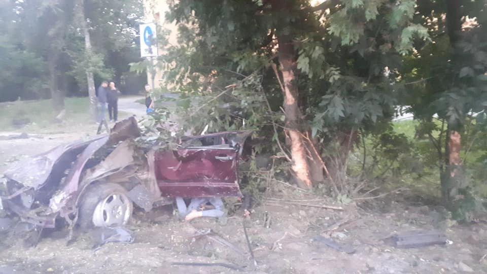 Молода водійка іномарки розбилася на смерть в'їхавши в дерево, - ФОТО , фото-4