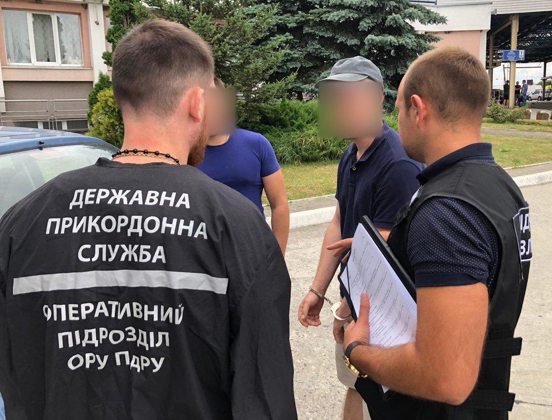 На Львівщині затримали бельгійця, який намагався вивезти українок в сексуальне рабство, - ФОТО, фото-2