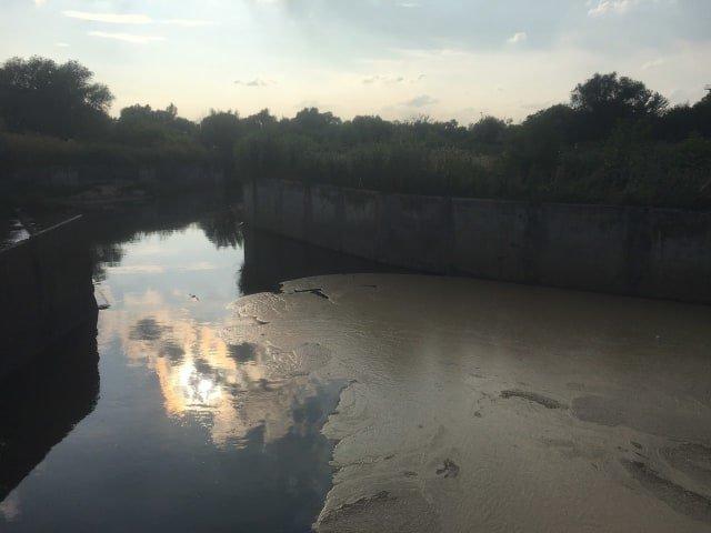 В очисні споруди «Львівводоканалу» потрапила невідома забруднююча речовина, фото-1