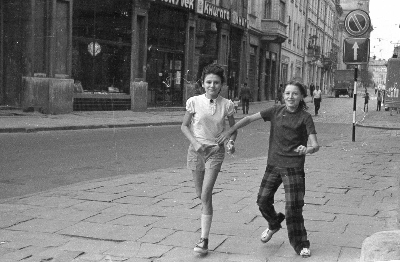 Як виглядали перехожі на вулицях Львова у 1970-х роках, - ФОТО, фото-5
