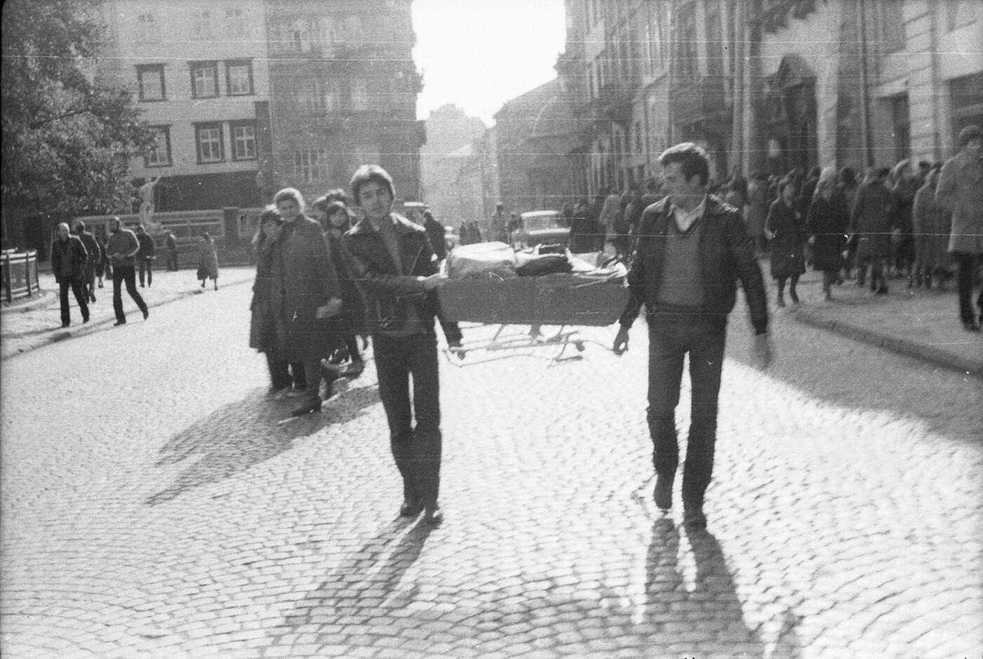 Як виглядали перехожі на вулицях Львова у 1970-х роках, - ФОТО, фото-4
