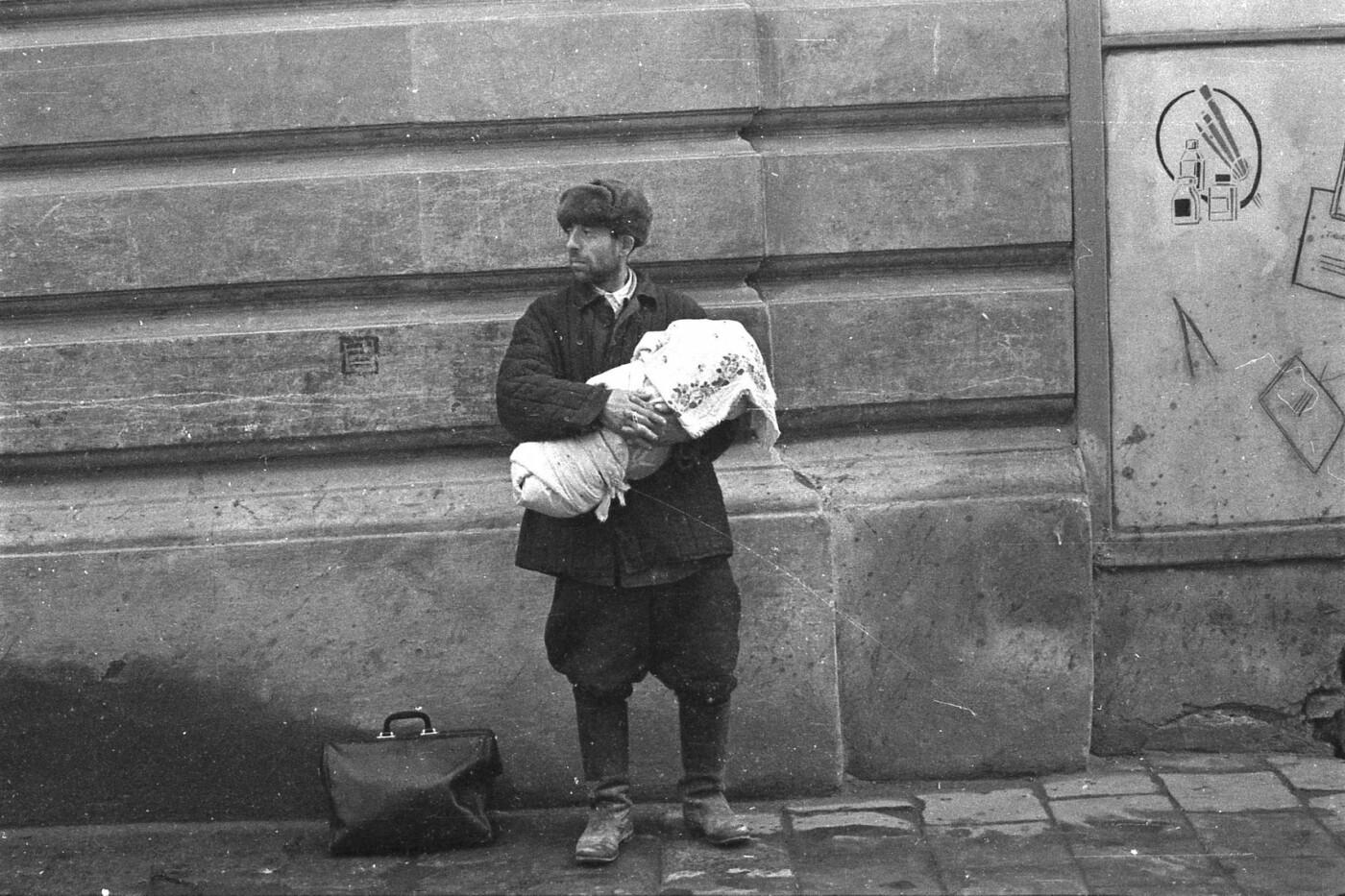 Як виглядали перехожі на вулицях Львова у 1970-х роках, - ФОТО, фото-2