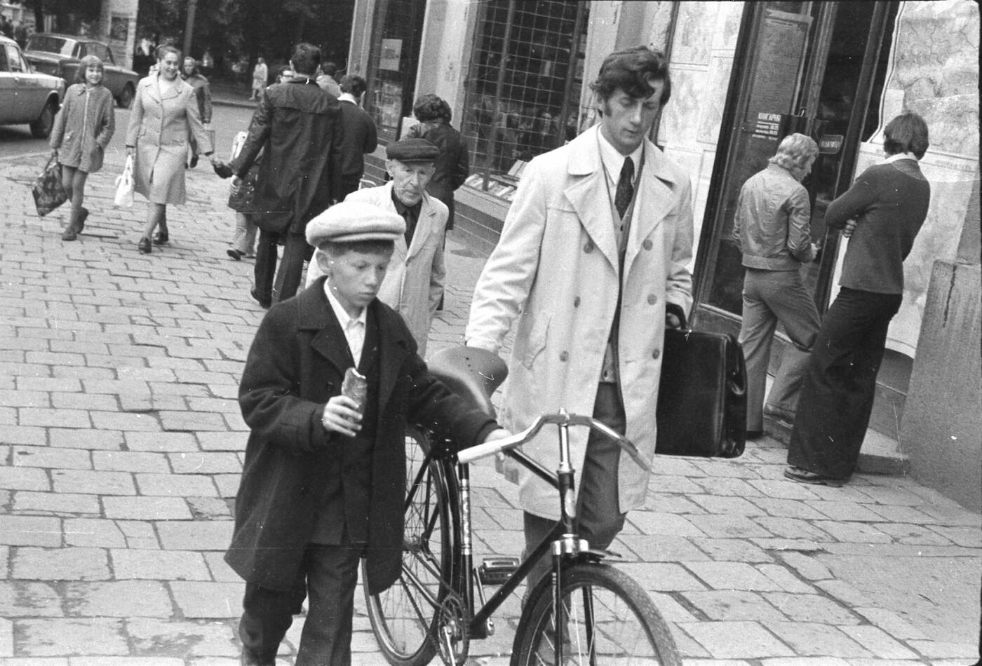 Як виглядали перехожі на вулицях Львова у 1970-х роках, - ФОТО, фото-15