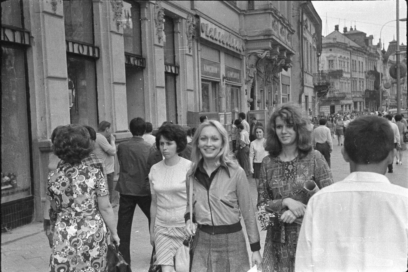 Як виглядали перехожі на вулицях Львова у 1970-х роках, - ФОТО, фото-6