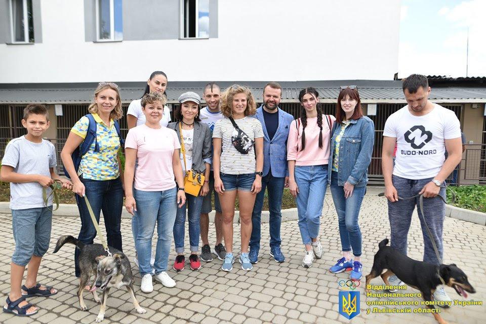 Як у Львові відомі спортсмени допомагали безпритульним тваринам, - ФОТО, фото-2