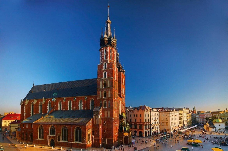 Лоукости зі Львова: куди полетіти у серпні, фото-1