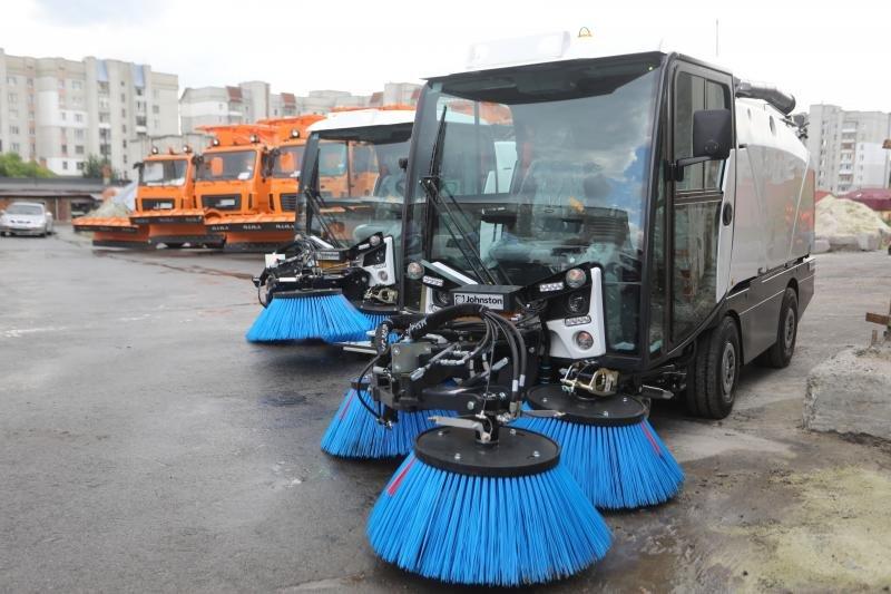 Львів закупив нову техніку для прибирання міста за 40 млн грн, - ФОТО, фото-7