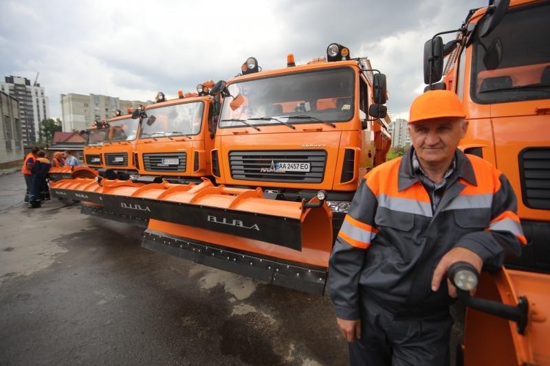 Львів закупив нову техніку для прибирання міста за 40 млн грн, - ФОТО, фото-2