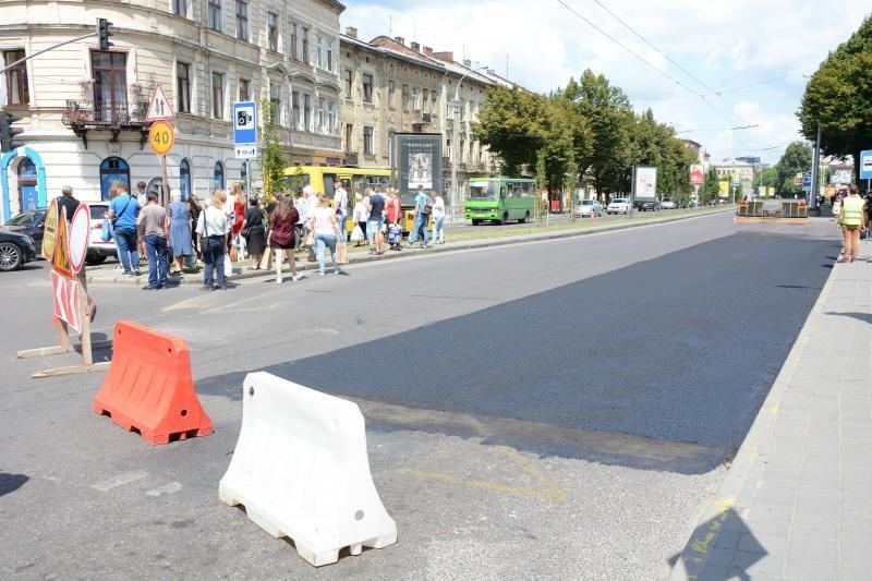 У Львові ремонтують дорогу на проспекті Чорновола, - ФОТО, фото-1, Фото: ЛМР