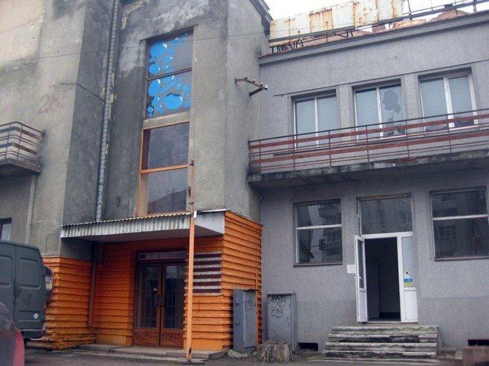 У Львові невідомі обікрали приміщення колишнього кінотеатру «Арлекіно», фото-1