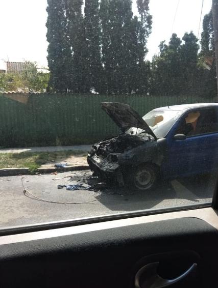 У Львові під час руху загорівся автомобіль, - ФОТО, фото-2, Фото: Ігор Зінкевич/Facebook.com