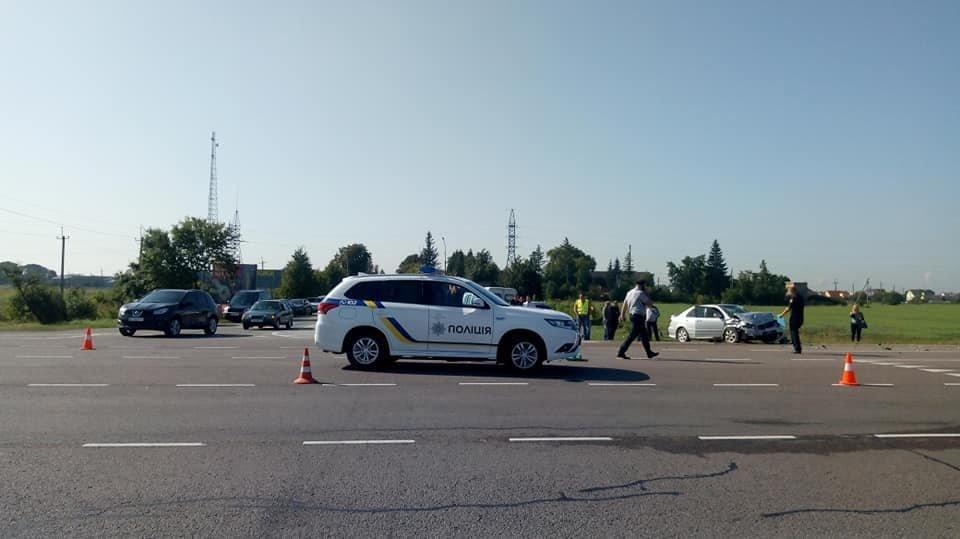 В автопригоді на Львівщині загинула 6-річна дитина, ще 5 людей травмовані, - ФОТО, фото-7