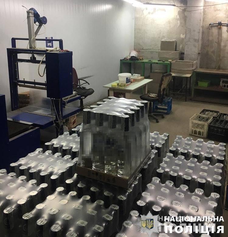 У Червонограді виявили масштабний підпільний горілчаний цех, - ФОТО, фото-2