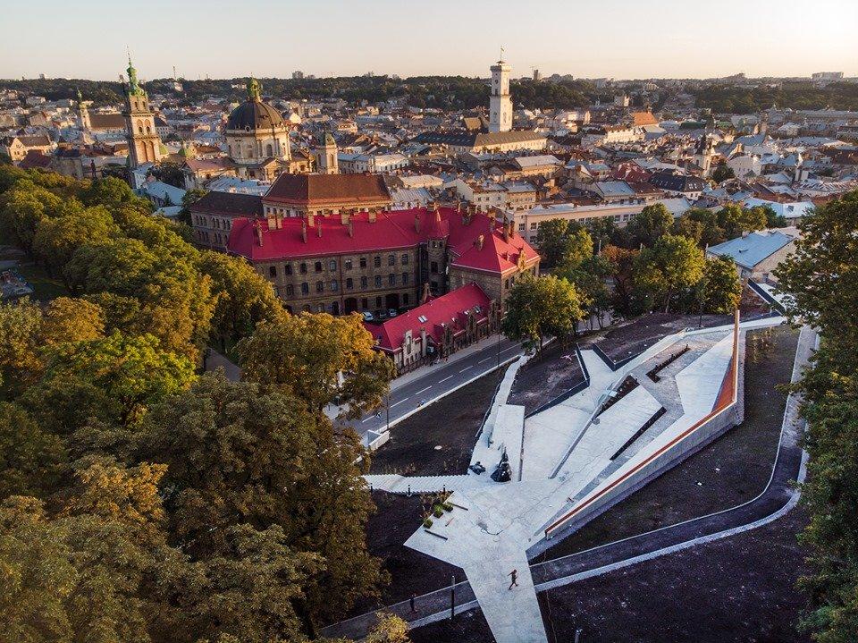 У Львові відкривають Меморіал пам'яті Героїв Небесної Сотні, - онлайн-трансляція, фото-1, ЛМР