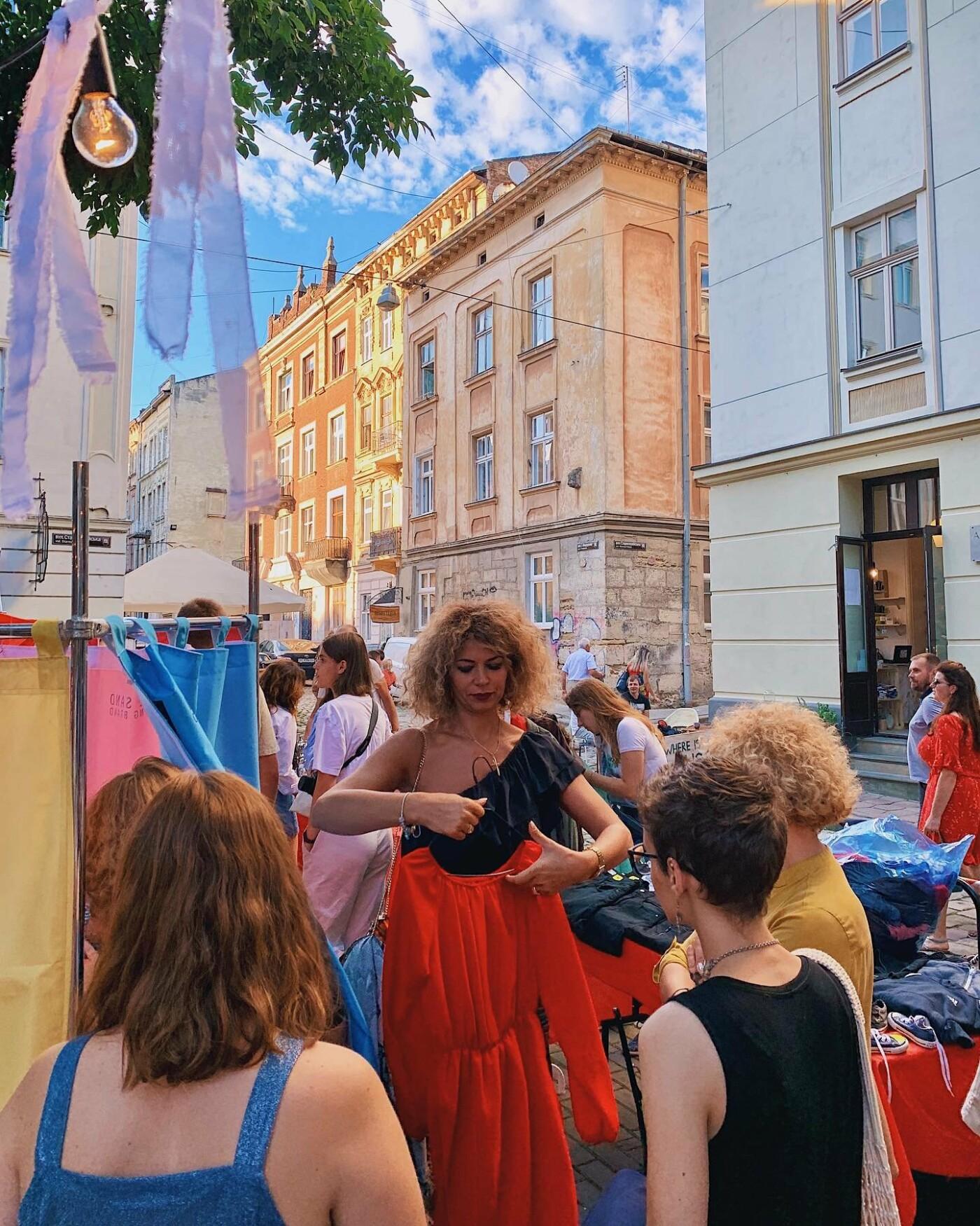 """Сьогодні львів'ян запрошують на маркет вінтажних та секонд-хенд речей """"Sunday BazaarR"""", фото-2"""