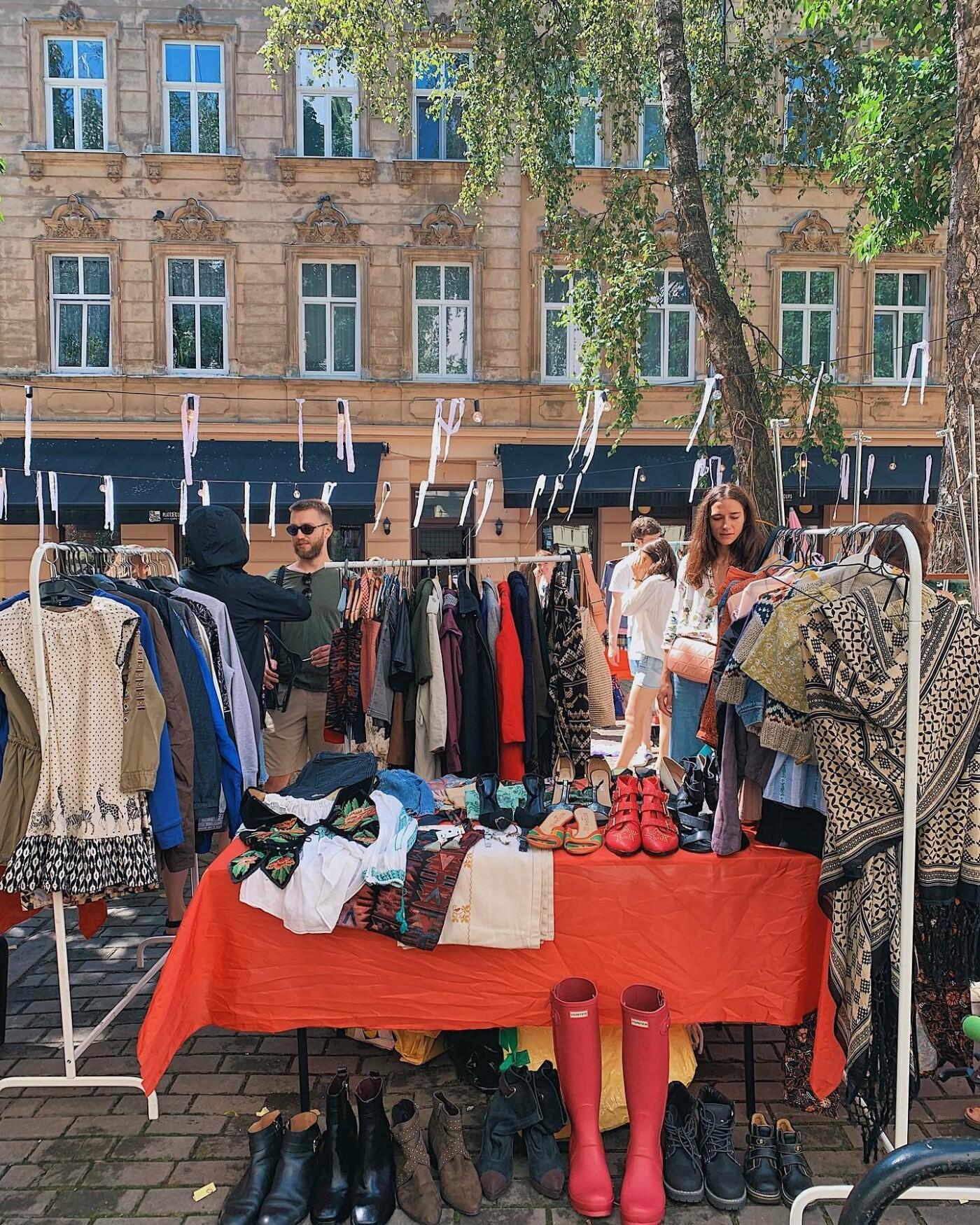 """Сьогодні львів'ян запрошують на маркет вінтажних та секонд-хенд речей """"Sunday BazaarR"""", фото-1"""