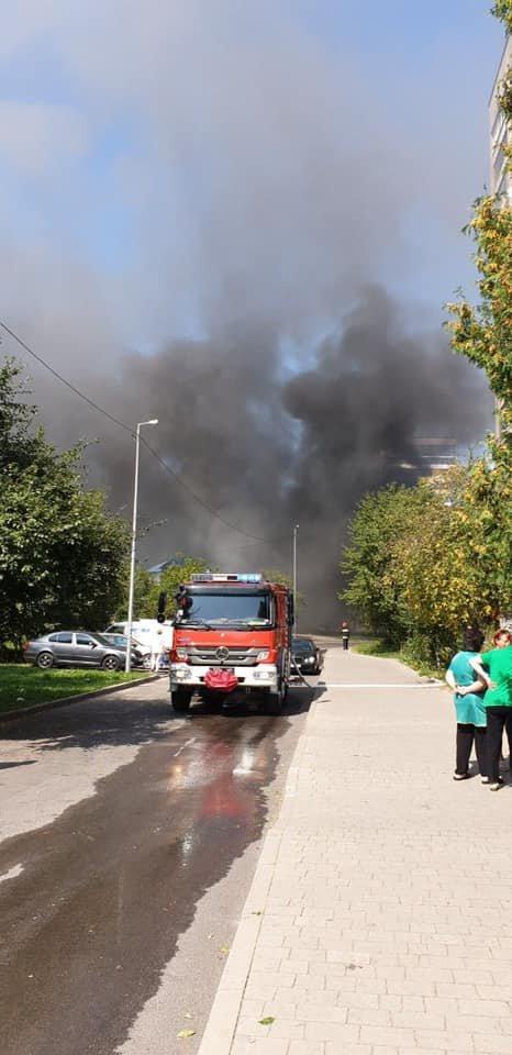 Пожежа у Львові: горів МАФ на Стрийській, - ФОТО, фото-6