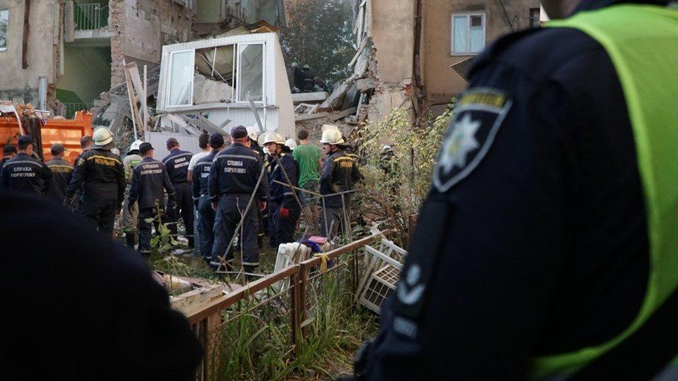 За фактом обвалу в Дрогобичі затримали двох комунальників-пенсіонерів, фото-1