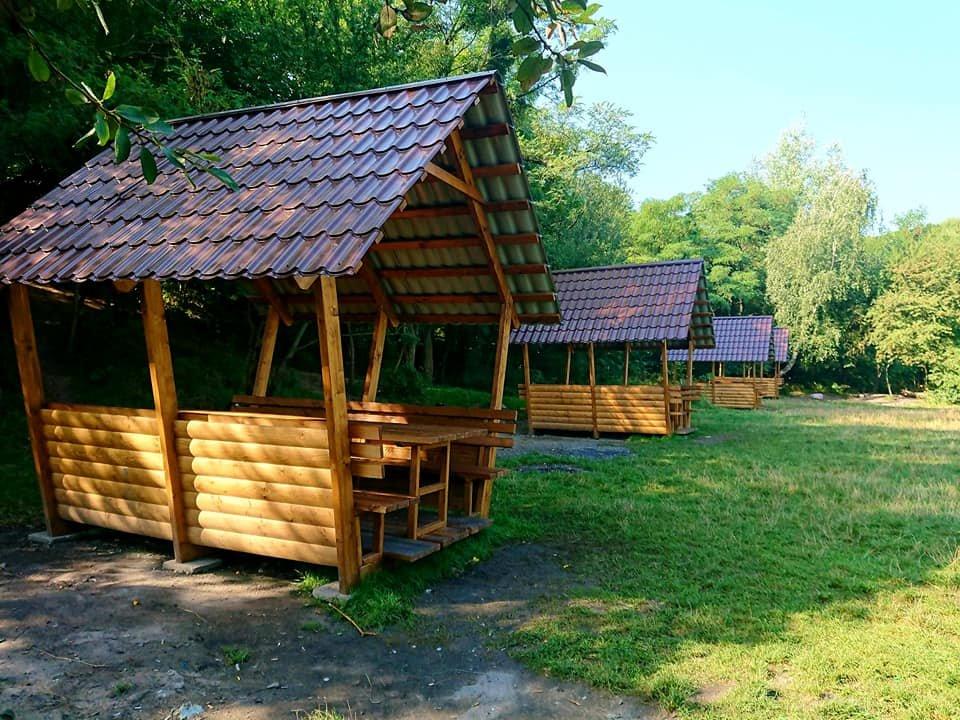 """У парку """"Знесіння"""" встановили нові колиби біля озера, - ФОТО, фото-2"""