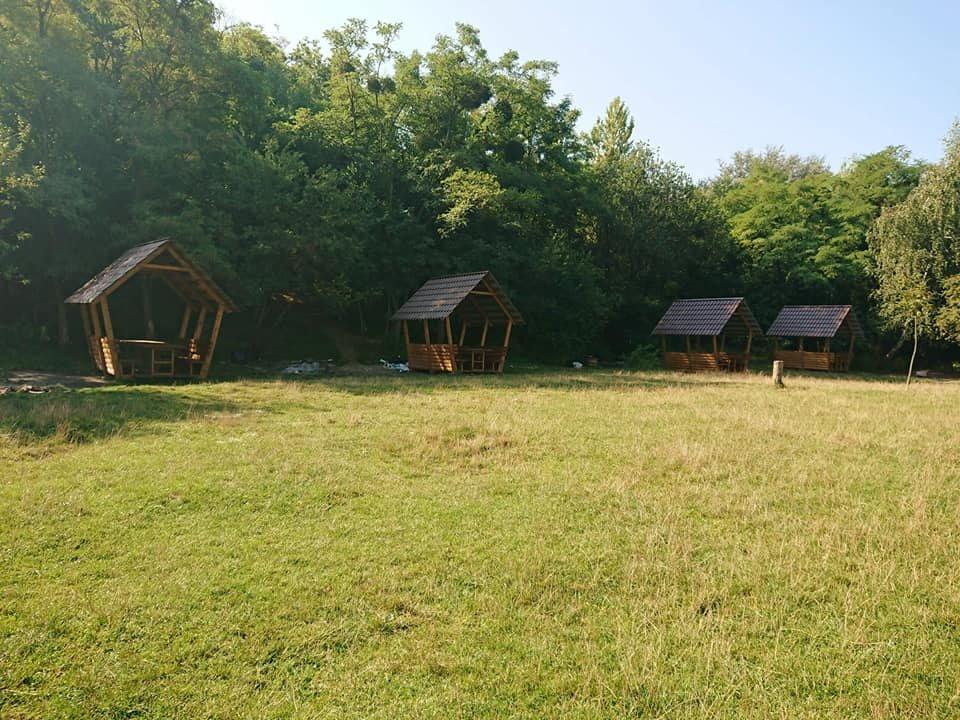 """У парку """"Знесіння"""" встановили нові колиби біля озера, - ФОТО, фото-1"""