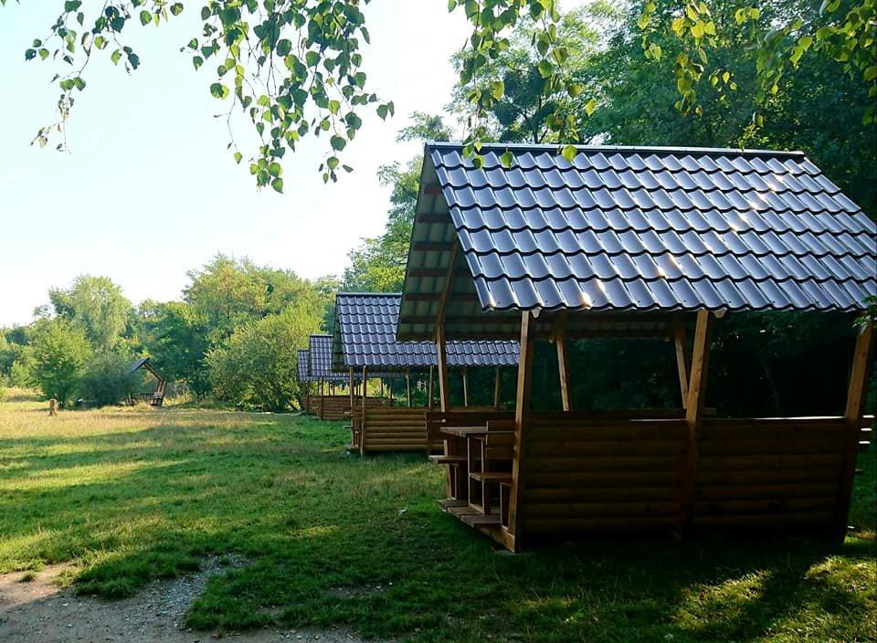 """У парку """"Знесіння"""" встановили нові колиби біля озера, - ФОТО, фото-4"""