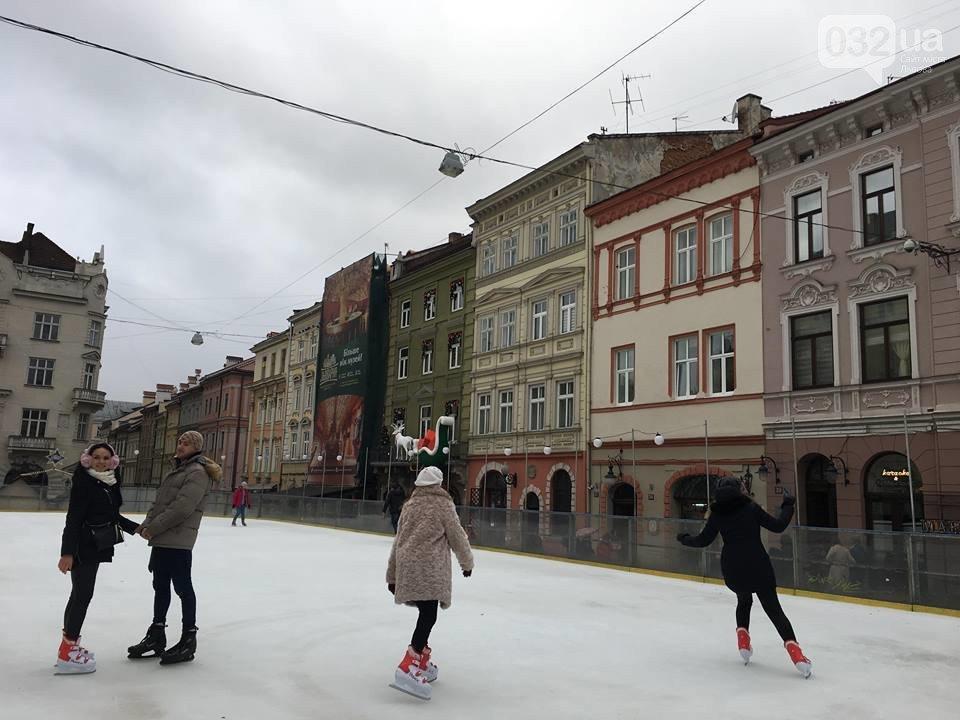 Коли на площі Ринок запрацює льодова ковзанка, фото-1