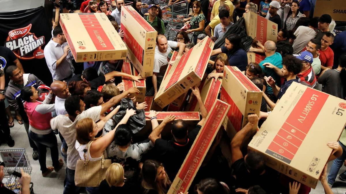 """""""Чорна п'ятниця"""": львівський експерт розповів, як вигідно купувати товари у період знижок , фото-3"""