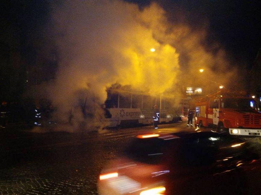 Пожежа в трамваї №2, фото Фейсбук