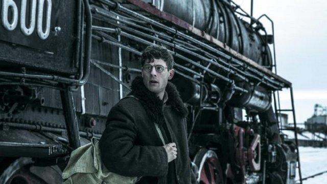 Ґарет Джонс під час поїздки на Донбас/кадр з фільму