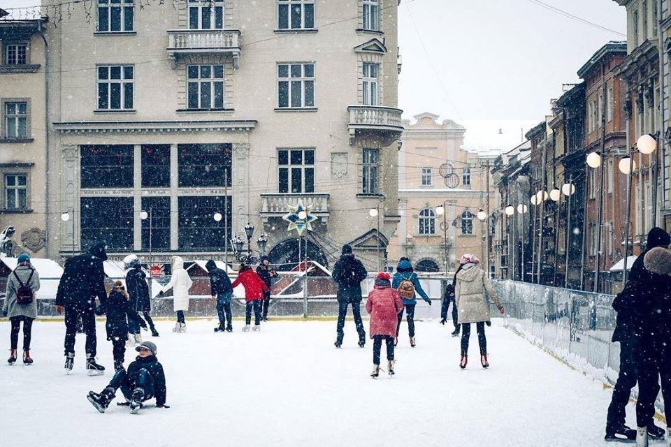 Фото: ковзанка на площі Ринок / Юлія Денисова