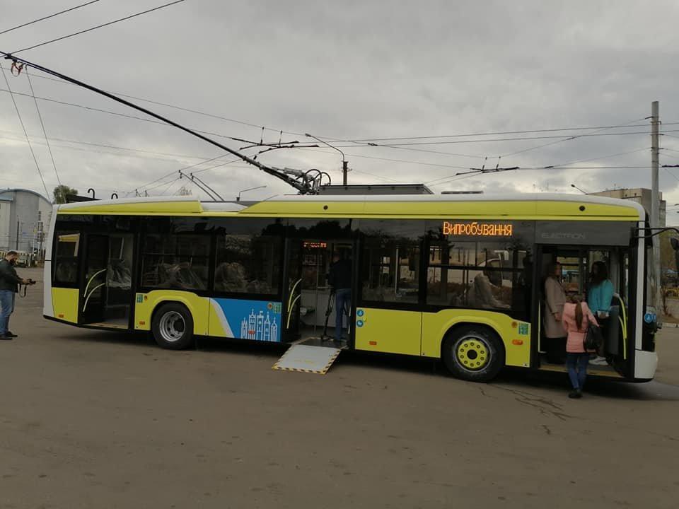 """Тролейбус """"Електрон"""", фото Андрій Білий"""