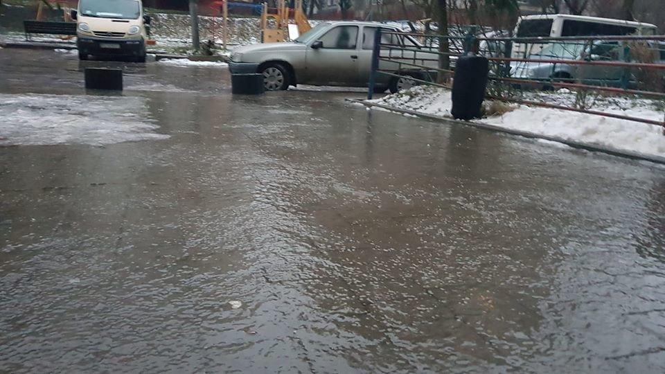 Фото: ожеледиця у Львові / Ігор Зінкевич, фейсбук