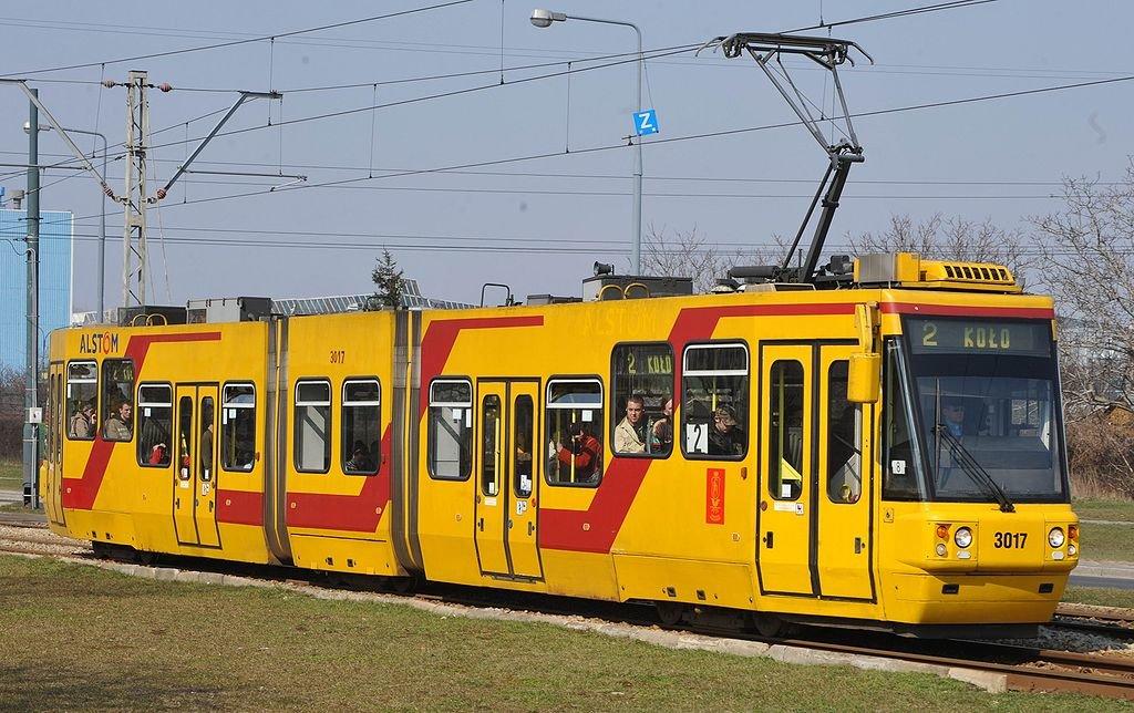 Трамвай у Варшаві, фото Вікіпедія