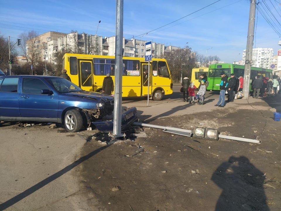 Фото: ДТП у Львові / Ігор Зінкевич, фейсбук