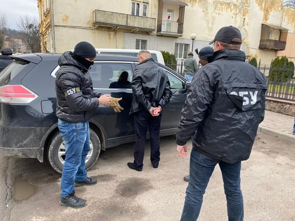 Фото: затримання на забарі / пресслужба прокуратури Львівщини, фейсбук
