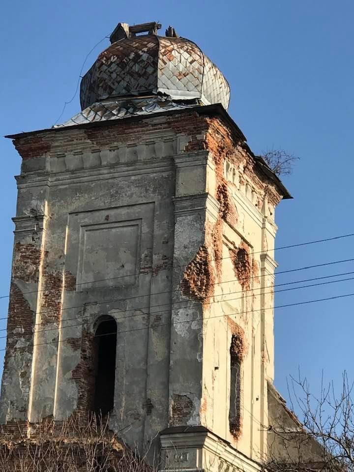 Романтичний монастир бернардинців